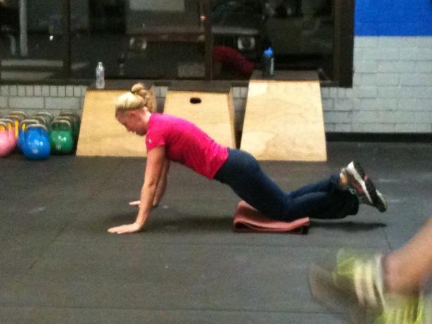Kristin Push-Ups, CrossFit Lakewood, Smashby Training, CrossFit in Denver